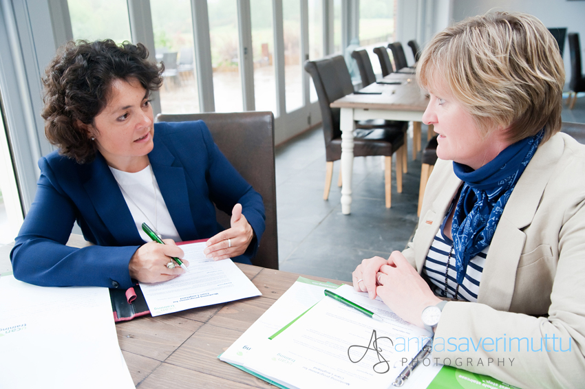 1-to-1 coaching session with 2 businesswomen