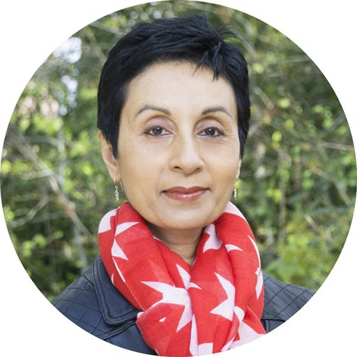 Headshot of Anna Saverimuttu