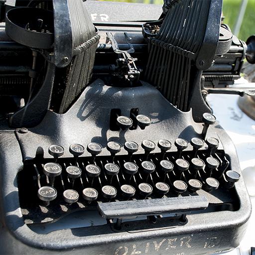 Photo of an old typewriter